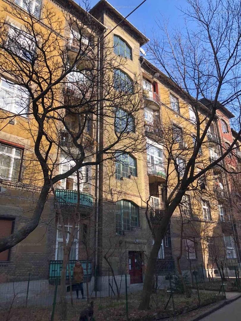 Eladó tégla építésű lakás - Budapest 8. kerület, Delej ...