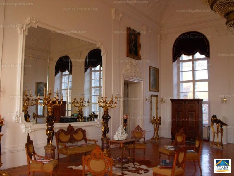 Ingatlan, eladó ház, Pécs, Baranya , 2200 m2