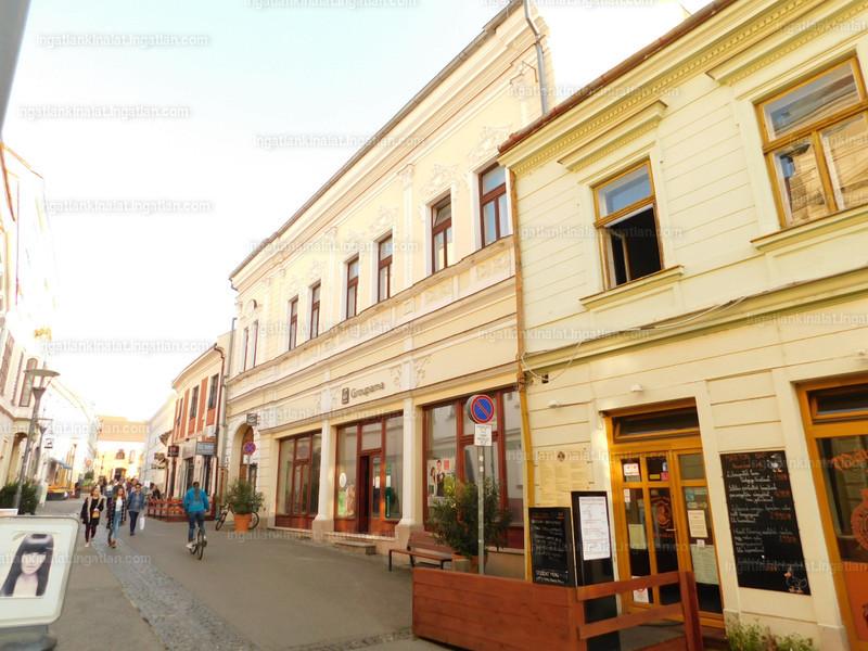 Pécs, Ferencesek utcája