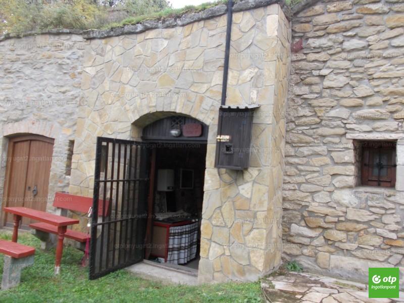 Balatonfőkajár, Pincesor