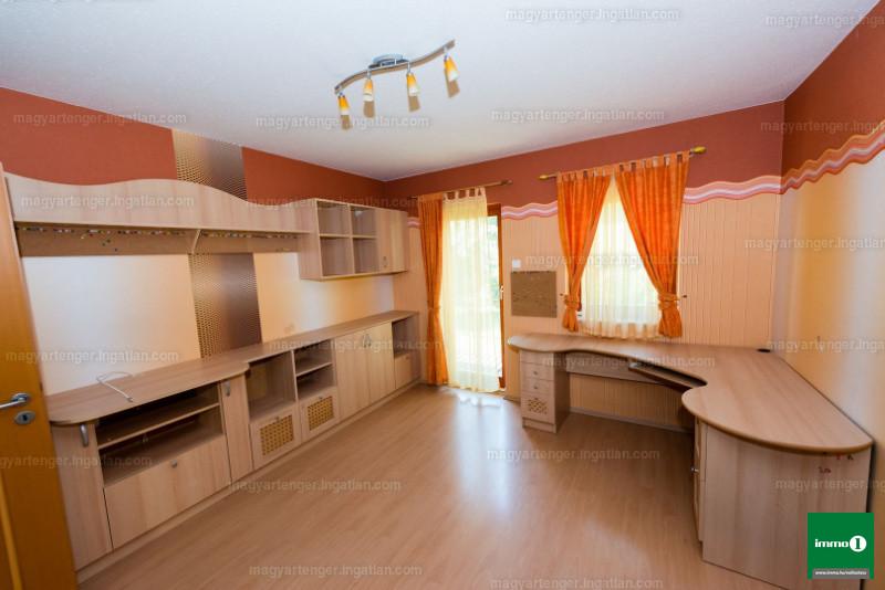 Ingatlan, eladó ház, Zalakaros, Zala, 300 m2