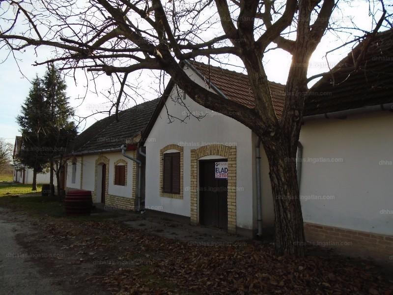 Ingatlan, eladó ház, Hajós, Keskeny utca, 41 m2