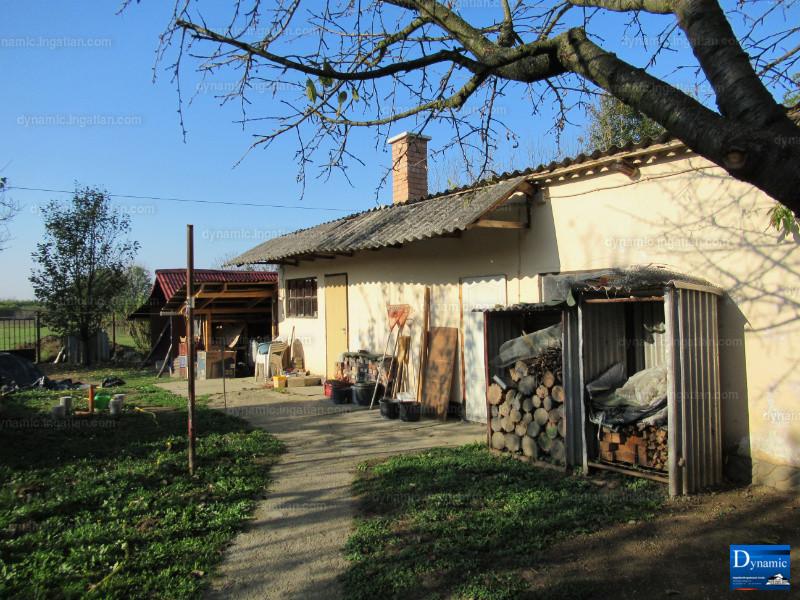 Ingatlan, eladó ház, Harkány, Petőfi Sándor utca, 90 m2