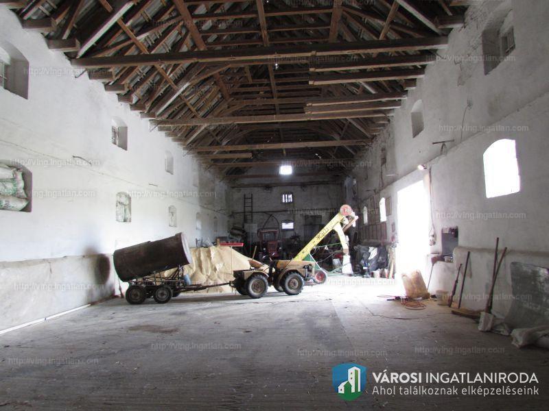 Ingatlan, eladó ház, Pálmonostora, Bács-Kiskun , 247 m2