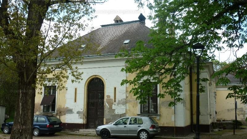 Kiskunlacháza, Bankháza