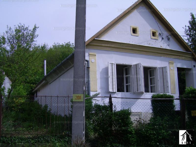 Ingatlan, eladó ház, Lothárd, Ady Endre utca, 80 m2