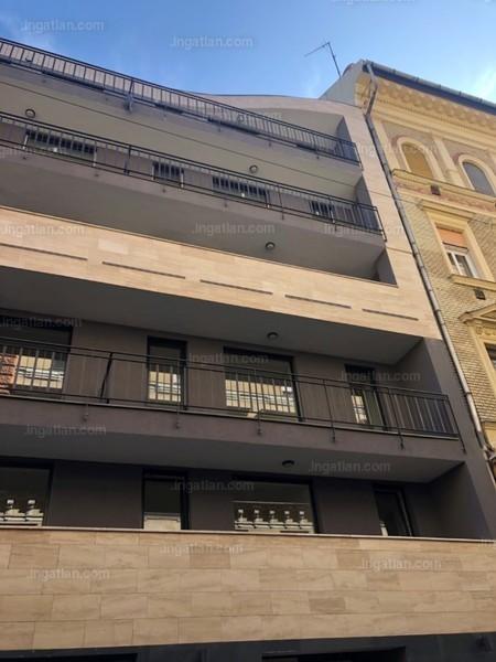 LEO 50 - 1 szoba erkéllyel