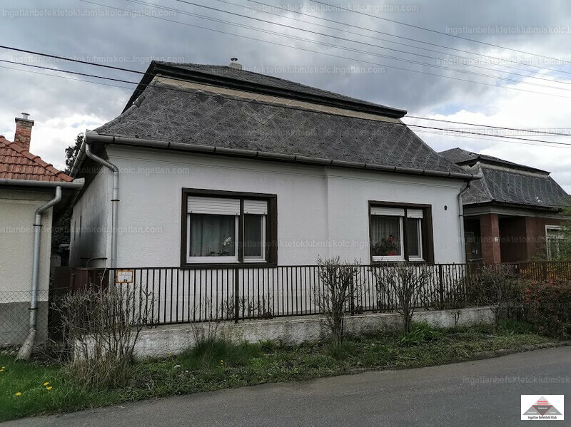 Sajószentpéter, Szondy György utca 9.