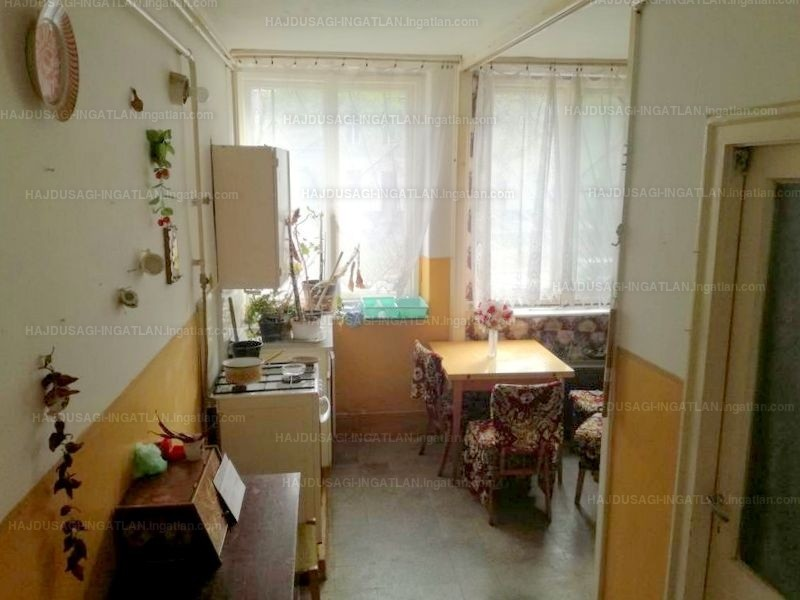 Ingatlan, eladó lakás, Debrecen, Belváros