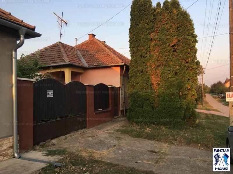 Ingatlan, eladó ház, Felsőszentiván, Bem utca 55.